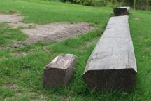 Holzbank